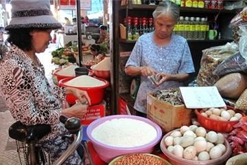 Giá xăng giảm, giá hàng hóa đứng yên: Chờ sự can thiệp của Nhà nước