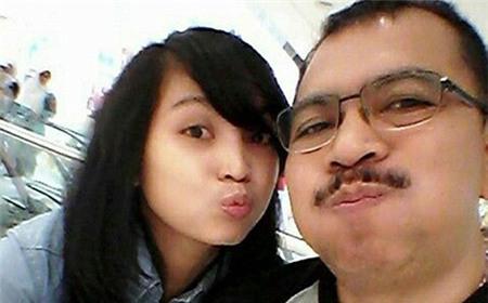 Giám đốc AirAsia mời con gái cơ trưởng làm việc