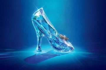 Đôi giày pha lê đặc biệt của Swarovski và Sandy Powell