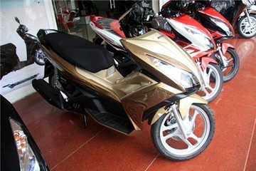 3 lần thêm màu mới cho Honda Air Blade 125 ở Việt Nam