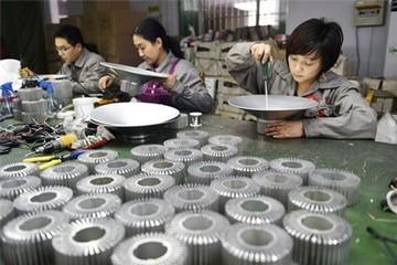 Đôla mạnh gây áp lực lên doanh nghiệp châu Á