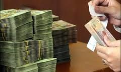 Bắt giam Giám đốc Phòng giao dịch ngân hàng 'đút túi' tiền gửi của khách