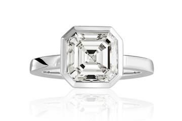 """Kiêu sa với nhẫn kim cương """"Vision in White"""" của Selected Jewels"""