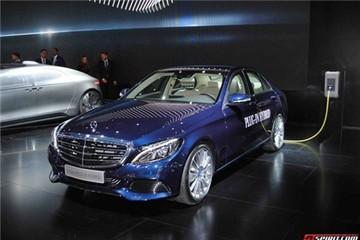 Làm quen với Mercedes-Benz C-Class phiên bản 1,75 lít/100 km