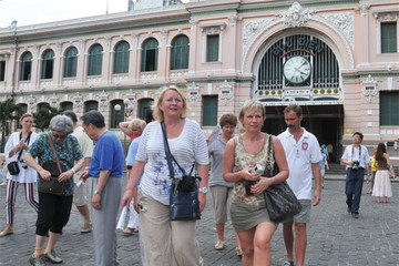 Tháng 1 khách quốc tế đến Việt Nam từ các châu lục đồng loạt giảm