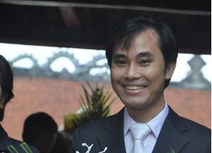 Tân giáo sư trẻ nhất Việt Nam: Tôi may mắn có bàn tay giúp đỡ!
