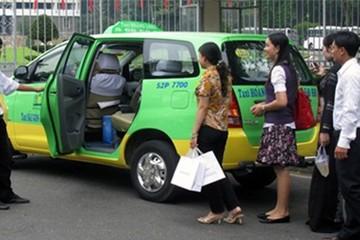 Dịch vụ đi chung taxi đường dài kín chỗ dịp Tết