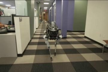 Spot - Robot có khả năng lấy lại thăng bằng cực đỉnh