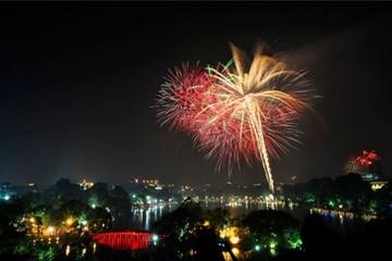 Lịch pháo hoa và vui chơi Tết ở các thành phố lớn