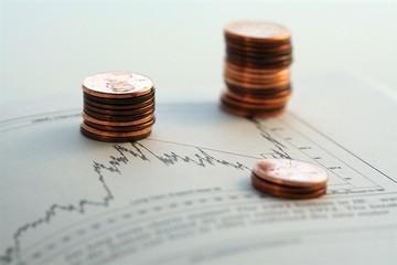 Dòng dầu khí nổi sóng, cổ phiếu ngân hàng khiến VN-Index tuột khỏi mốc 600