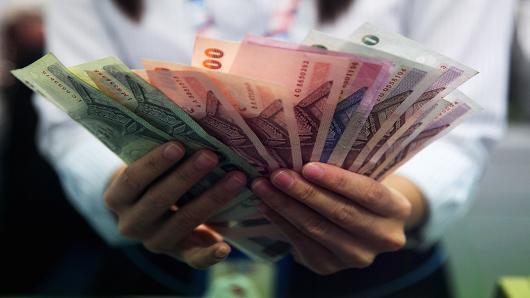 CNBC: Bath Thái giảm giá, lợi thế cho Việt Nam và Malaysia