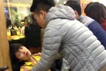 Hàng chục người bị ngất ở siêu thị Big C Hà Nội