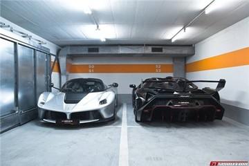 Cặp siêu xe Italia triệu đô đọ dáng tại showroom