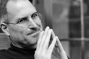 Steve Jobs và chiến lược lấy mật mà không phá tổ ong