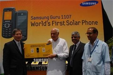 Samsung từng sản xuất điện thoại dùng năng lượng mặt trời
