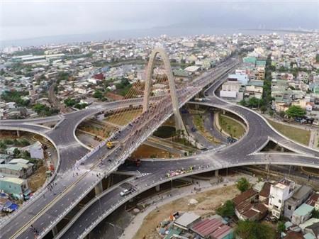 Khánh thành cầu vượt 3 tầng lớn nhất VN