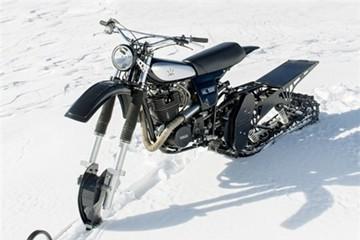 Xe máy độ như xe tăng để chạy trên tuyết