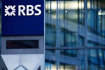 Giám đốc ngân hàng mất việc vì con gái chụp ảnh tin nhắn của bố đưa lên mạng