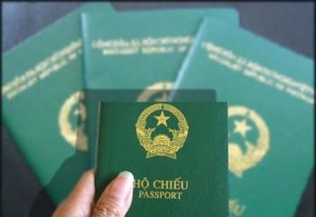 """[Infographic] """"Quyền lực"""" của hộ chiếu Việt Nam tại 44 quốc gia miễn visa"""