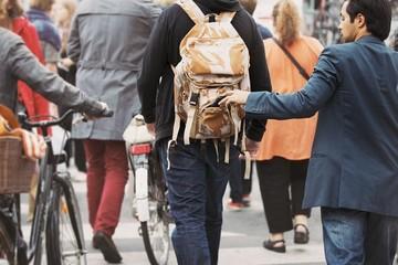 Làm gì khi bị móc túi khi đi du lịch nước ngoài?