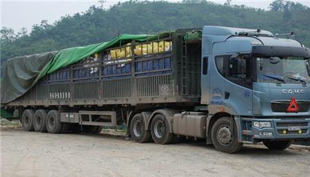Gần 30.000 tấn gạo đang ách tắc tại cửa khẩu Lào Cai