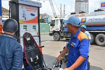 DN xăng dầu đang lỗ 300-400 đồng/lít xăng