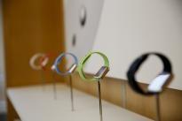 Apple kiếm bộn tiền từ dây đeo Apple Watch
