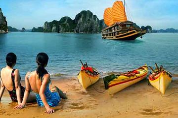 Khách quốc tế giảm mạnh, ngành du lịch lao đao