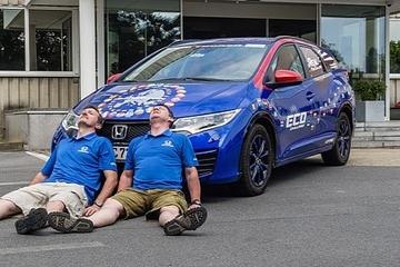 Honda Civic động cơ diesel thiết lập kỷ lục thế giới mới về mức tiêu thụ nhiên liệu