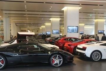 Giá xe ô tô sụt giảm theo chấn động chứng khoán