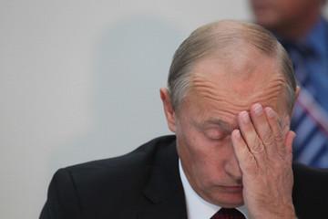 Tổng thống Vladimir Putin đau đầu với nợ công