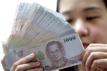 Chứng khoán giảm, baht Thái xuống đáy 6 năm vì vụ nổ Bangkok