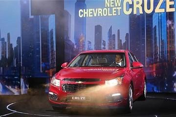 Chevrolet Cruze mới giá