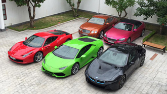 Biệt thự nào cho chủ nhân thích trưng bày siêu xe?