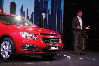 Có gì trong Chevrolet Cruze 2015 tại lễ ra mắt ở Hà Nội?