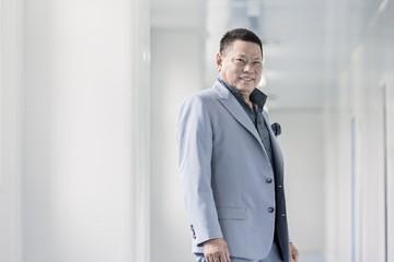 Tỷ phú gốc Việt lọt Top 400 người giàu nhất nước Mỹ