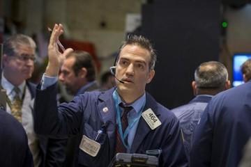Phố Wall giảm do kết quả kinh doanh kém của Wal Mart, JP Morgan Chase