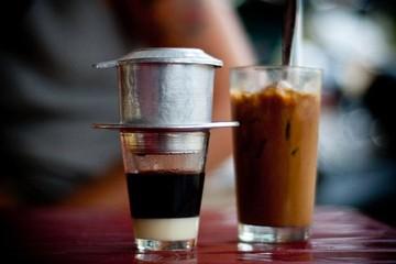 Cà phê đá và công dụng thổi bay hội chứng jetlag