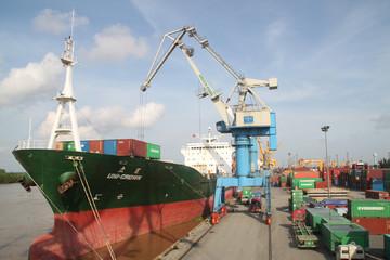 VSC dự kiến chuyển nhượng 35% vốn Container miền Trung