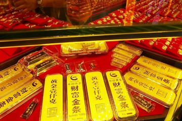 Đồng USD lên cao nhất 7 tháng, giá vàng quay đầu giảm