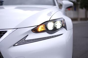 Có gì trong Lexus IS250 F-sport, đối thủ Mercedes C300 AMG tại Việt Nam?