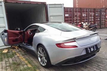 Aston Martin Vanquish giá 15 tỷ đồng về Việt Nam