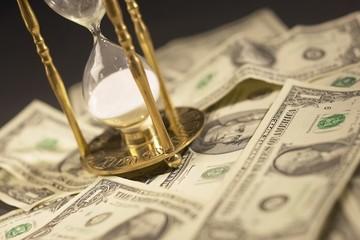 Ngành nào bị tác động khi FED tăng lãi suất?
