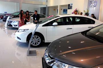 Nhu cầu ô tô của người Việt chững lại trong tháng đầu năm 2016