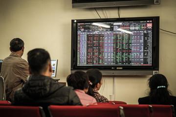 VN-Index tăng gần 9 điểm, vượt mốc 570