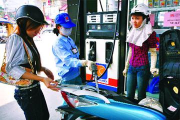 52,8% lợi nhuận của Petrolimex đến từ kinh doanh xăng dầu