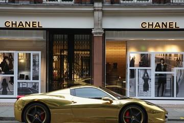 Những người siêu giàu thường bỏ tiền mua gì?