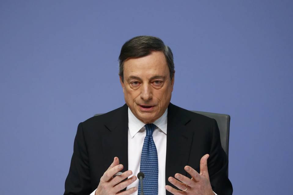ECB tiếp tục hạ lãi suất, tăng chương trình mua tài sản