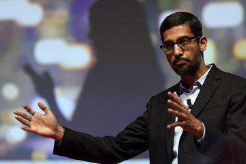 CEO Google Sundar Pichai kiếm hơn 100 triệu USD năm 2015