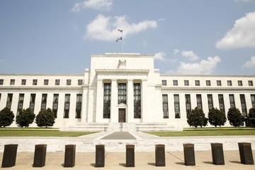 Fed bật tín hiệu thận trọng với việc tăng lãi suất, lo ngại về kinh tế toàn cầu